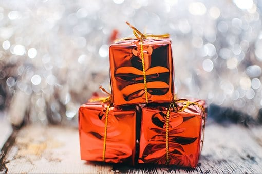 An Employer's Guide To Giving Office Gifts