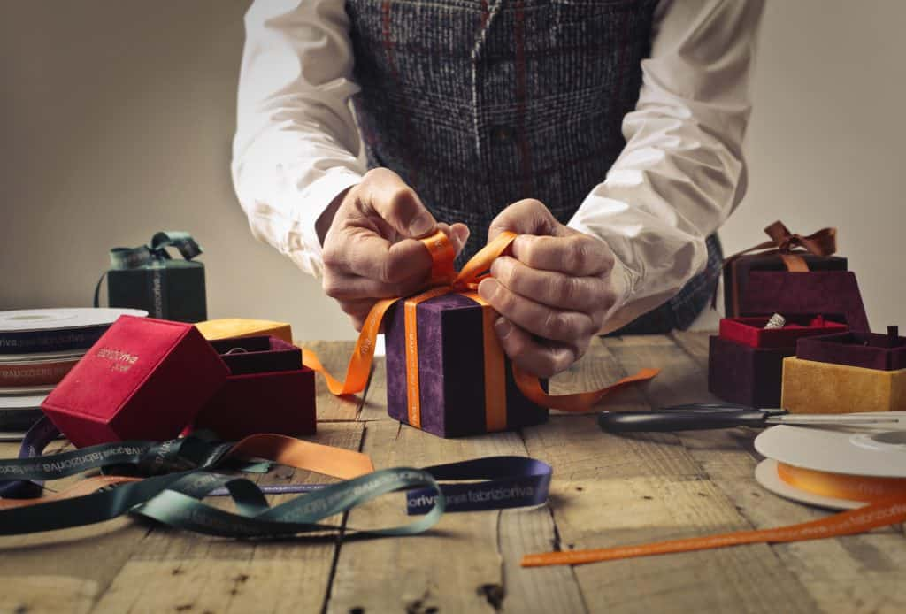 How to Choose Business Gifts for Your Employees